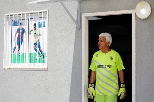 À 73 ans, ce gardien israélien devient le plus vieux joueur du monde Media_11