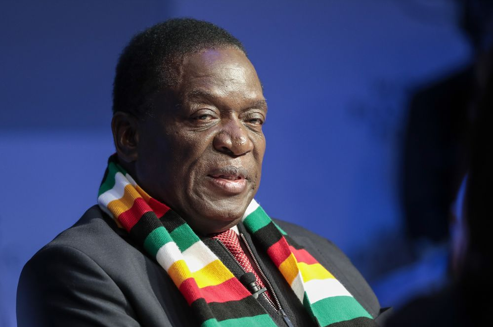 Zimbabwe Leader Wants New Currency, IMF Loan in Revival Bid Scree336