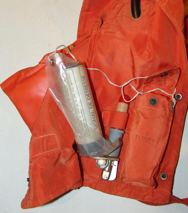 Aviation: Gilet de sauvetage Aérazur 17 - 1er type Dsc01143
