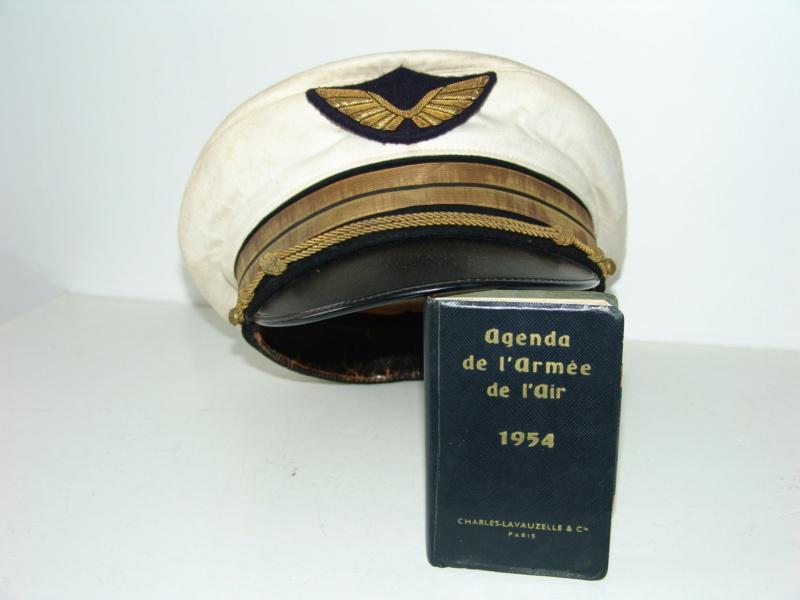Casquette et agenda armée de l'air Dsc09518