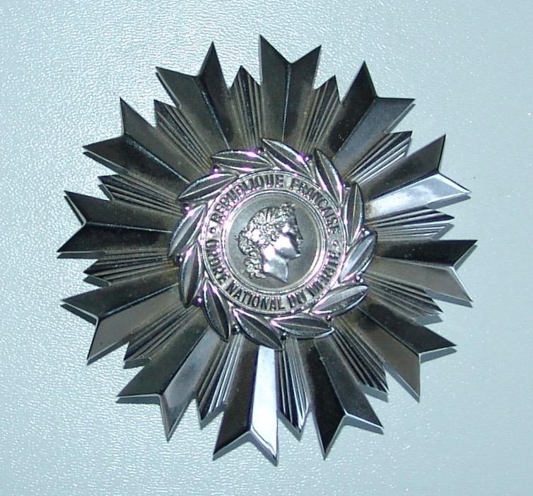 Plaque de Grand Officier de l'Ordre National du Mérite Dsc09727