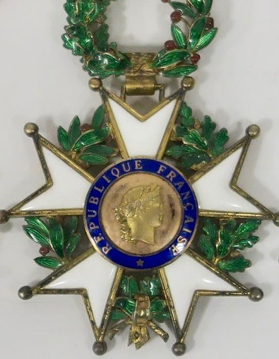 Datation d'une médaille de commandeur de la légion d'honneur Lh110