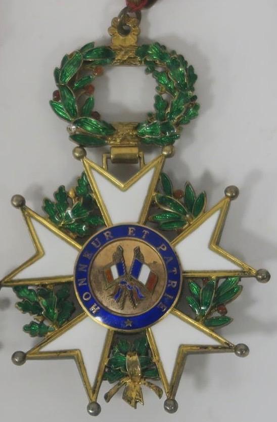 Datation d'une médaille de commandeur de la légion d'honneur Lh210
