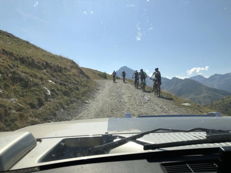 Ballade dans les Alpes Italiennes autour de Sauze d'Oulx en Hummer 1e07d910