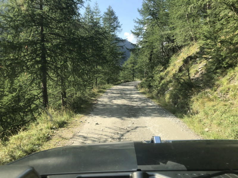 Ballade dans les Alpes Italiennes autour de Sauze d'Oulx en Hummer D886a010