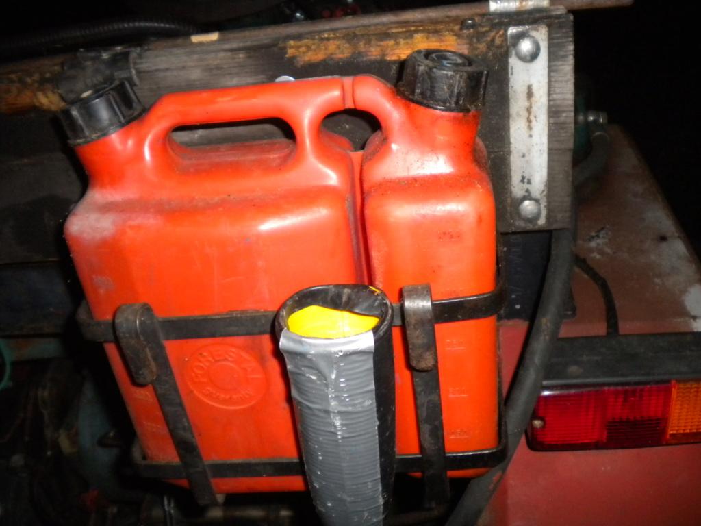 contenitore benzina - Pagina 12 Dscn0330