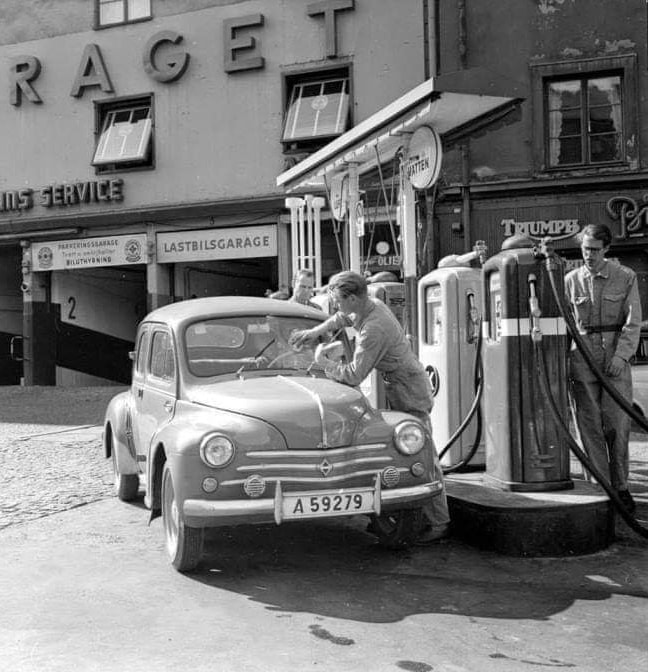 un petit Musée privé sur le thème des vieilles pompes à essence - Page 4 000_012