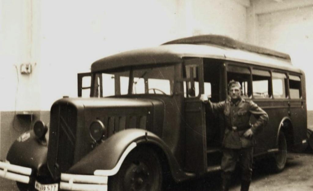 Photos d'autobus et autocars Citroën - Page 21 0_0_0_16