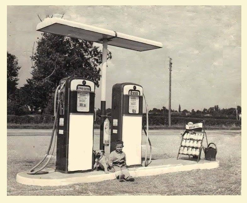 un petit Musée privé sur le thème des vieilles pompes à essence - Page 3 2150