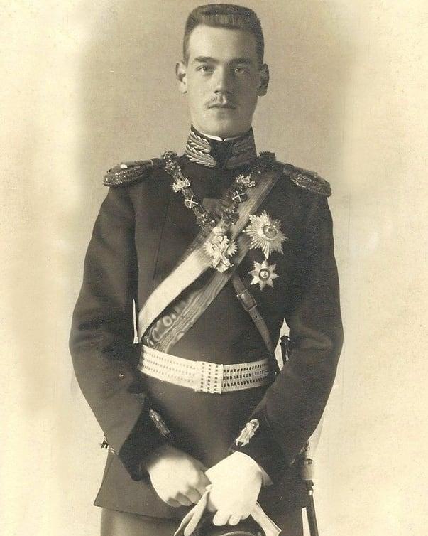 Gran Duque Miguel Alexandrovich - Página 12 40437310