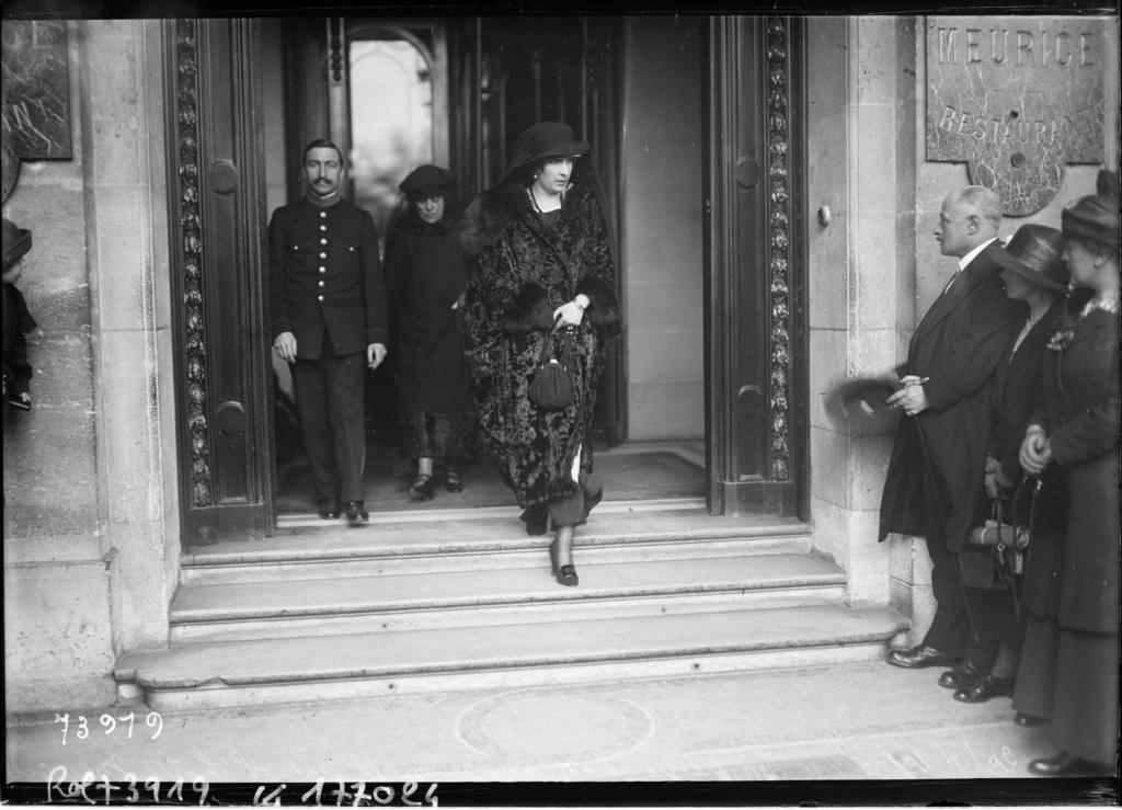 Reina Victoria Eugenia de España - Página 25 82abc110