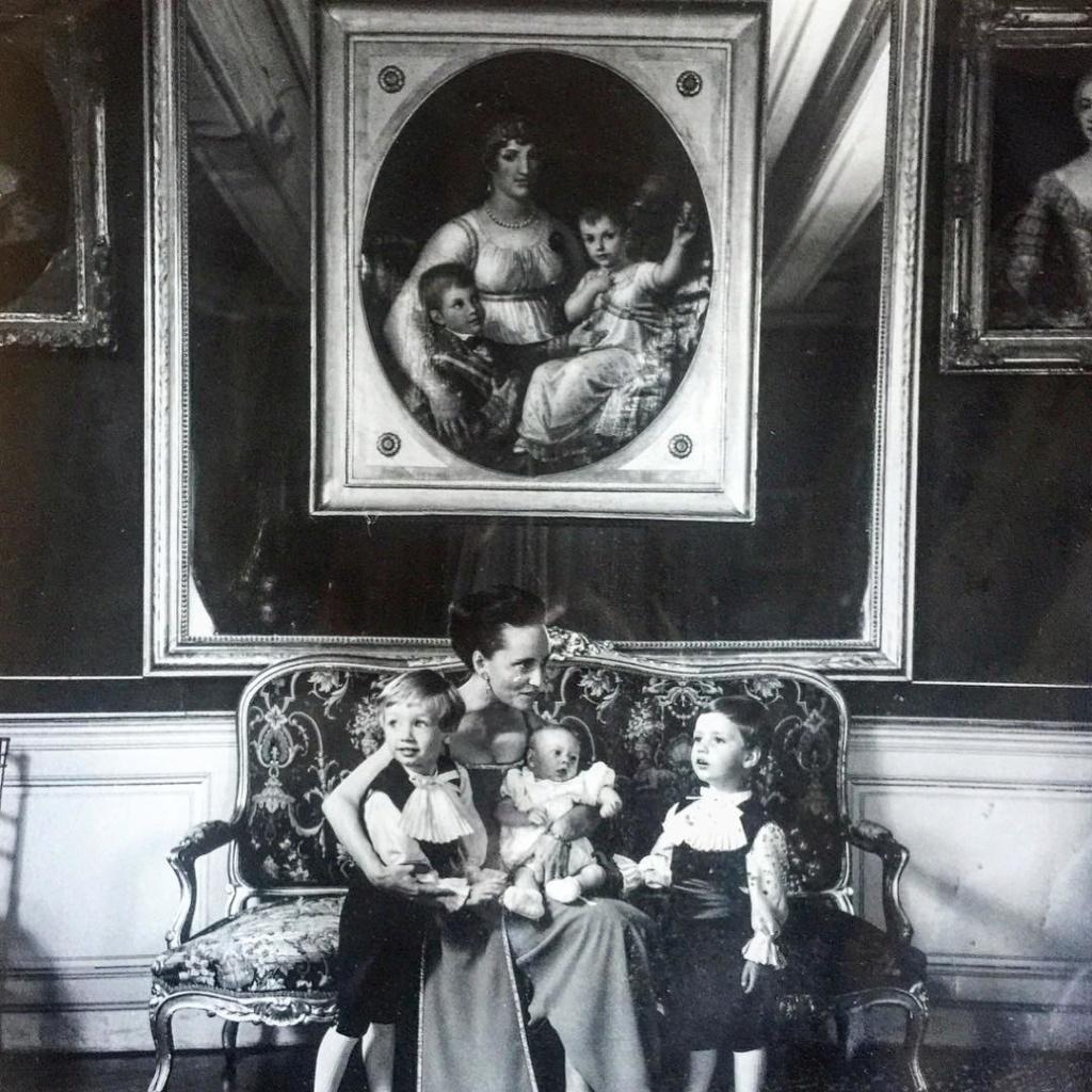 Los Borbón-Parma - Página 10 Con_el10