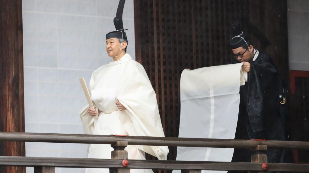 Casa Imperial del Japón (Nihon-koku / Nippon-koku) - Página 15 Https_10