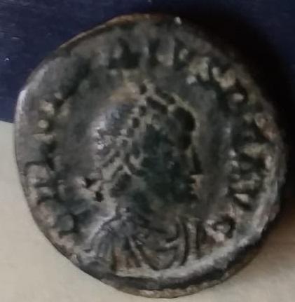 Decargiro de Honorio. GLORIA ROMANORVM. Constantinopla Img-2067