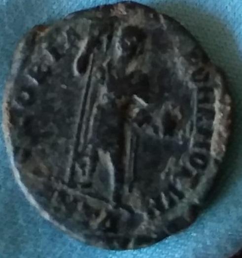 Decargiro de Honorio. GLORIA ROMANORVM. Antioquía Img-2107