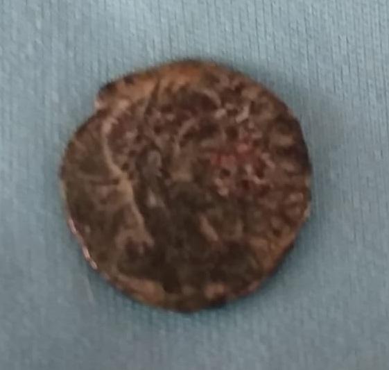 AE4 de Constancio II. VICTORIAE DD AVGG Q NN. Lyon Img-2170