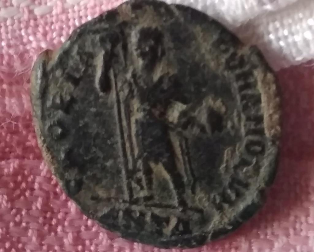 Decargiro de Honorio. GLORIA ROMANORVM. Antioquía Img-2236