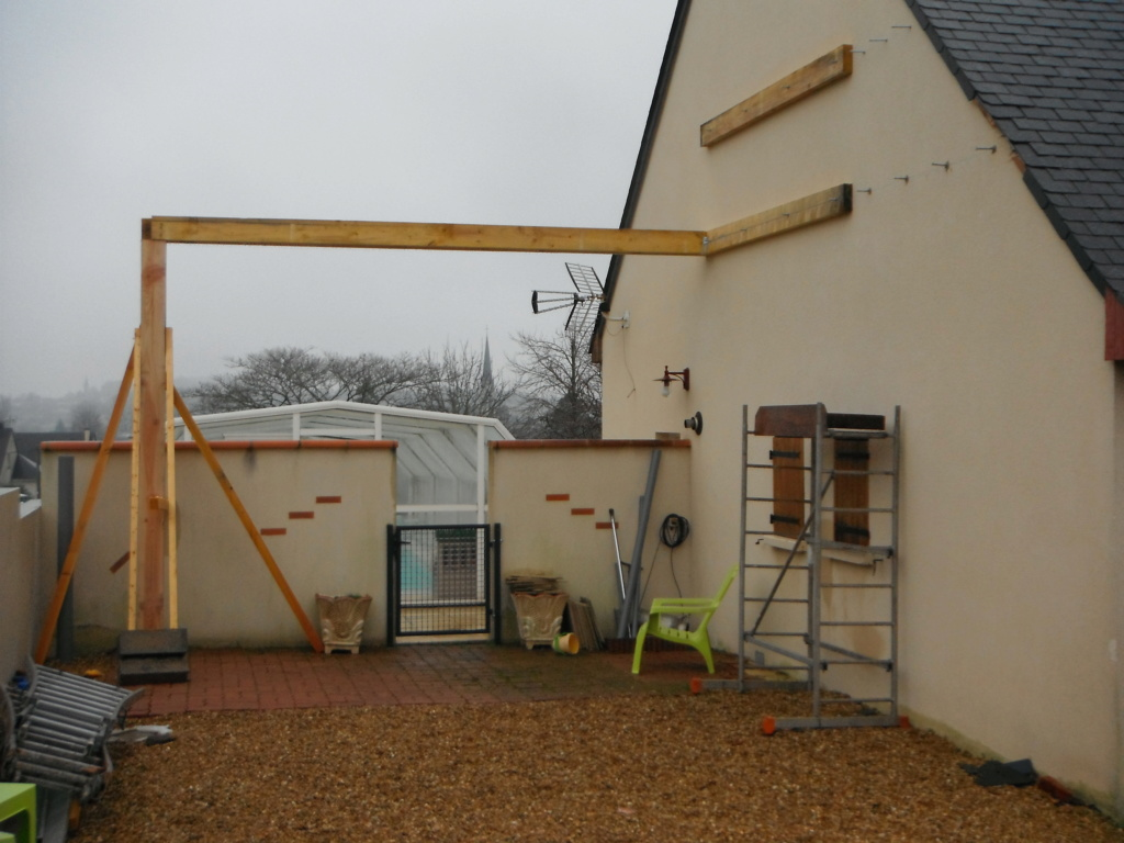 Construction d'un abri pour mon fourgon - Page 5 Dscf2222