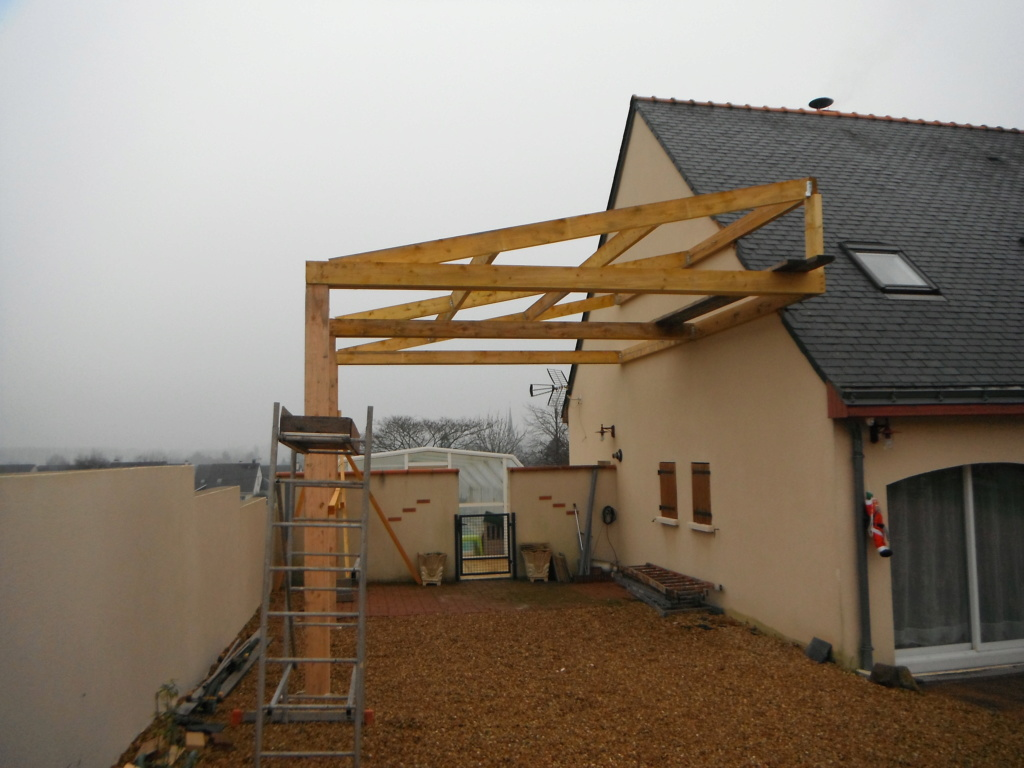 Construction d'un abri pour mon fourgon - Page 5 Dscf2223