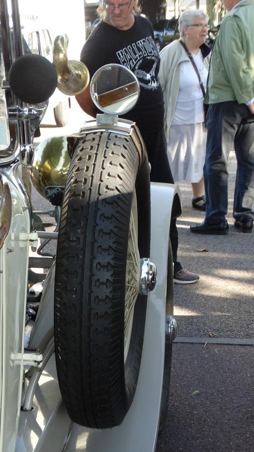 Pour les amoureux de  belles vieilles mécaniques 1211