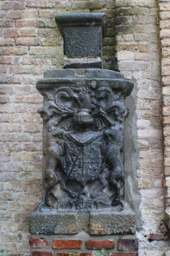 Fil ouvert-  Dates sur façades. Année 1602 par Fanch 56, dépassée par 1399 - 1400 de Jocelyn - Page 5 Img_2341