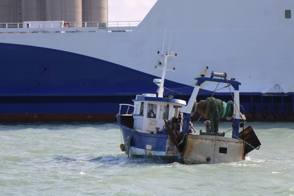 [Fil ouvert]  NAVIRES (tous les types) - Page 12 Img_3249