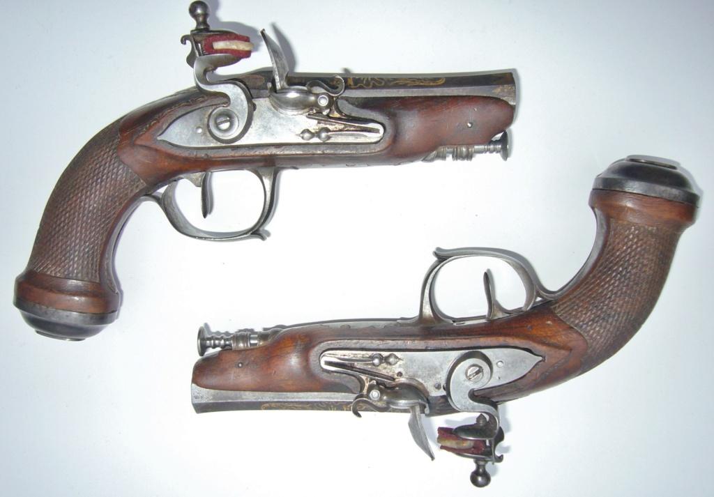 """paire de pistolets de """" voyage """" à silex  Ece5a210"""