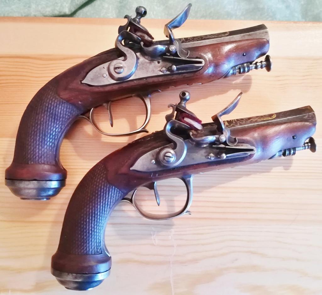 paire de pistolets à silex  Img_2020