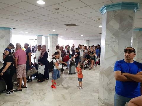 Aéroport de Monastir: La grande pagaille des files d'attente Aeropo10