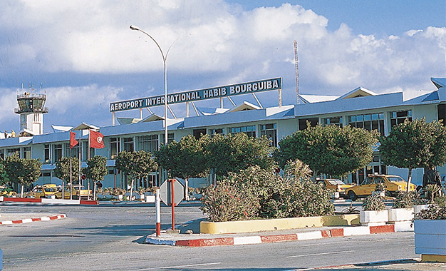 Monastir: Chaos à l'aéroport Habib Bourguiba suite à un retard de 8h d'un avion Nouvelair ( Vidéo) Aeropo11