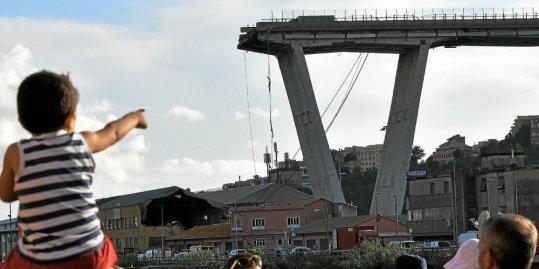 Italie : un viaduc autoroutier s'effondre à Gênes [Vidéo] Durant10