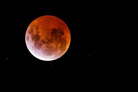 Envie de regarder l'éclipse de Lune ce soir ? Voilà comment ne rien louper Lune10