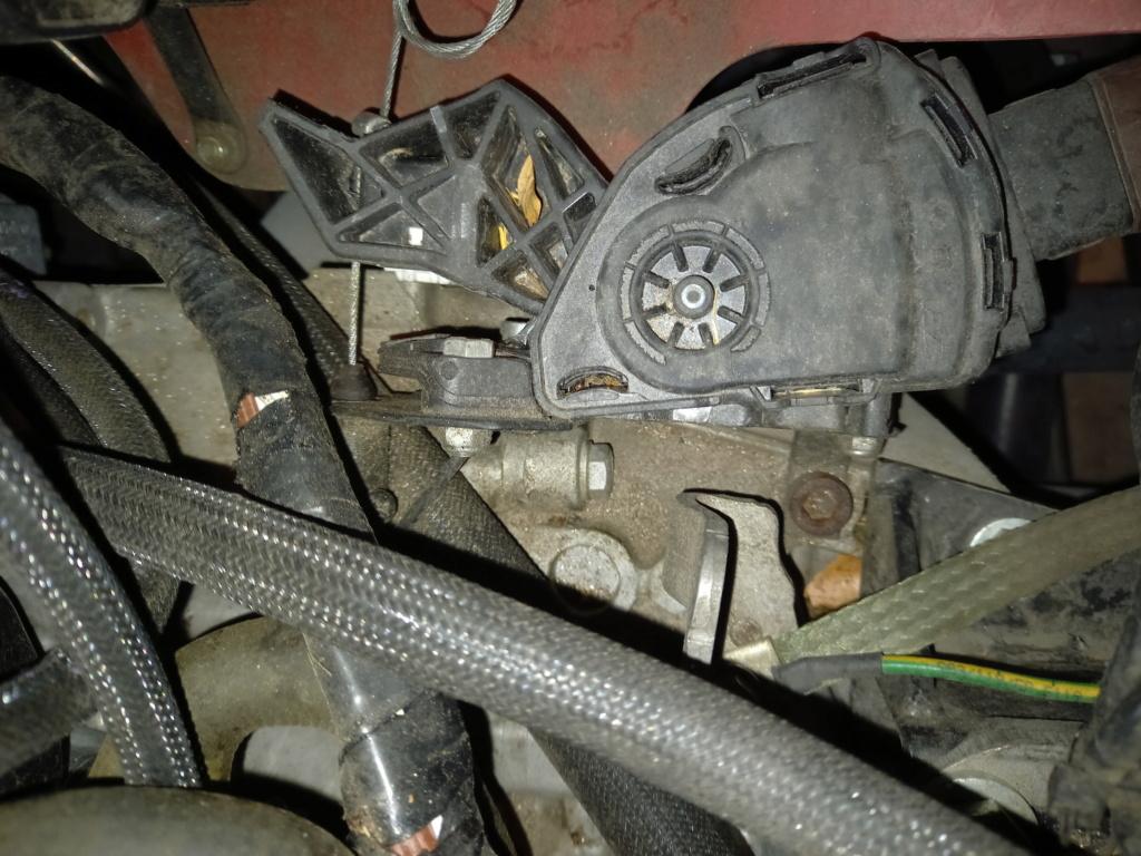 [F16T] Capteur accélérateur Image802