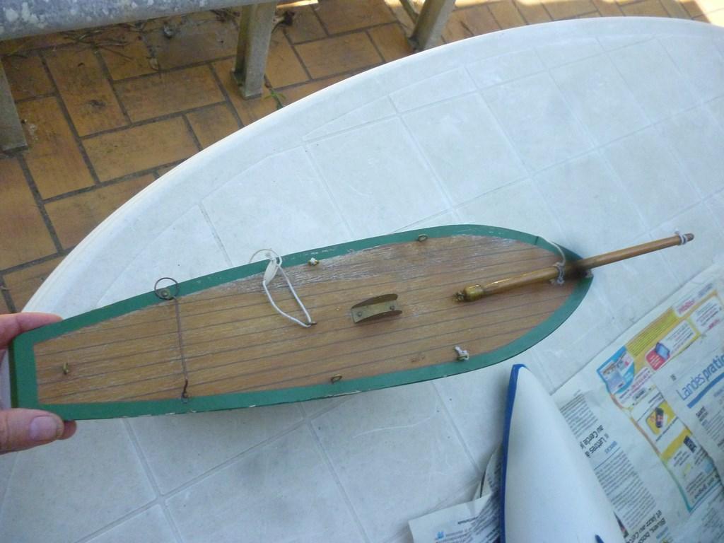 Connaissez-vous ce bateau P1060611