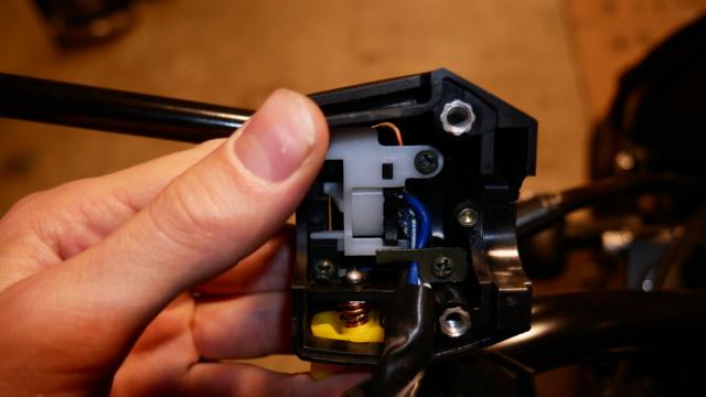 Installation de feux additionnel(s) P1010018