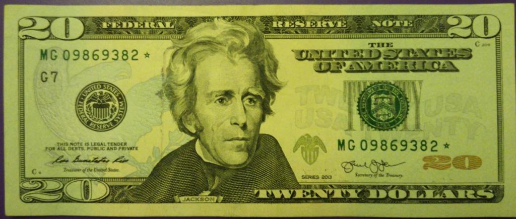 20$ con estrella y símbolos Img_2010