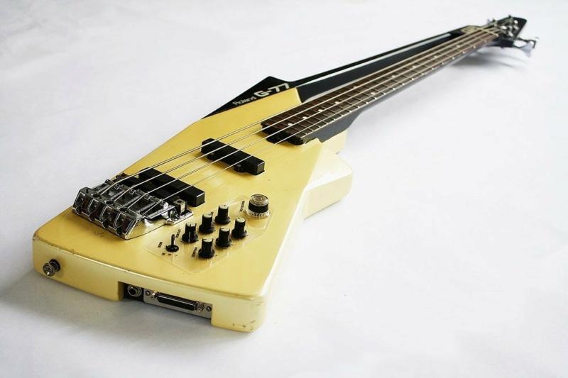 Roland G-77 Bass. 14128810