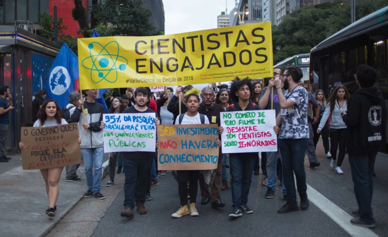 15-05-2019 - Protesto em São Paulo contra o corte de verbas para as universidades. 15579211