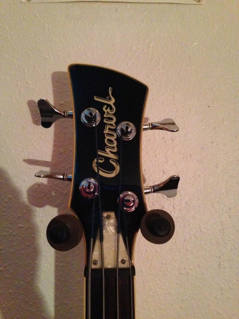 Charvel Surfcaster Bass. 317