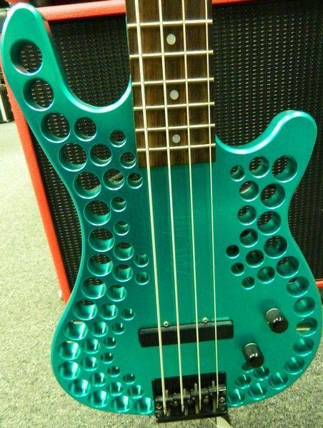 Abel Axe Bass. Abel_a11