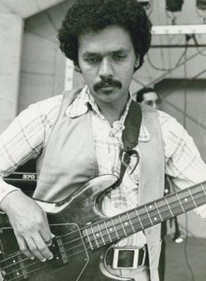 A que se deve a falta de popularidade da Gibson em relação à Fender? Bobbyv10