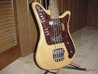 Goya Panther Bass. Goyapa10