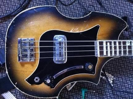 Maton Big Ben Bass. Images33