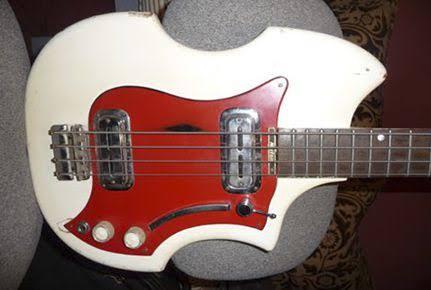 Maton Big Ben Bass. Images34