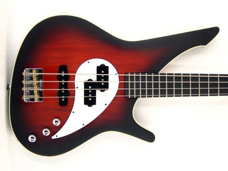 Manne Fillmore Electric Bass.  P4020012