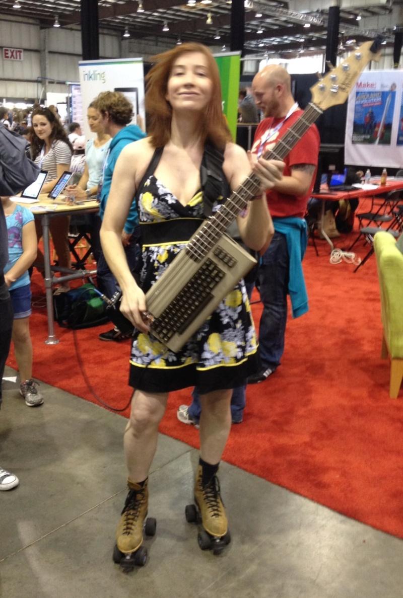C64 Bass Guitar. Photo10