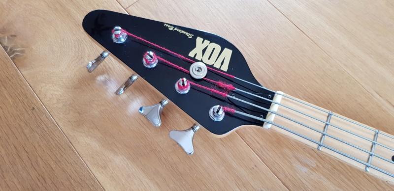 Vox 3504 Standard Bass. Vox-bl10
