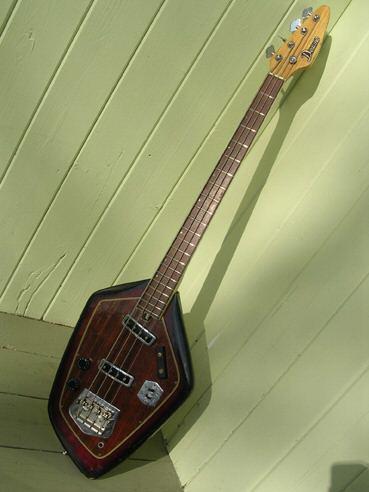 Domino Californian Bass. Whatsa12