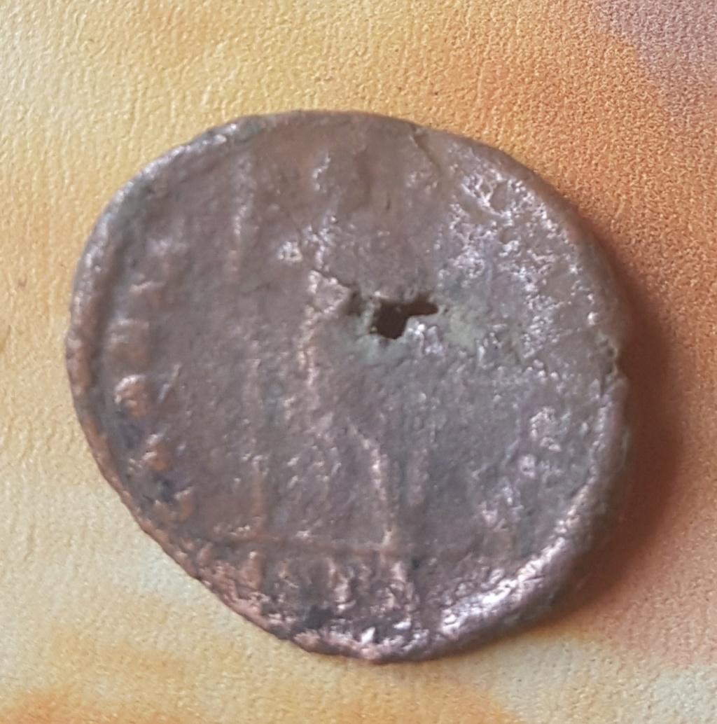 Decargiro de Teodosio I. GLORIA - ROMANORVM. Emperador estante de frente y mirando a dcha. Antioch. 20190632