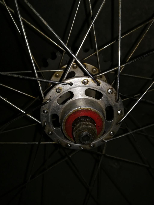 Identification roue Mavic ± moyeu  Img_2096
